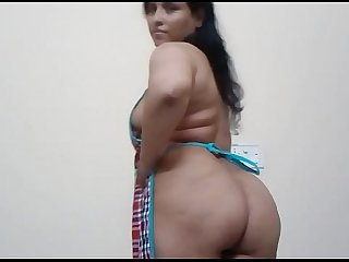 Neelamkhan indian bhabhi in apron showing her desi arab ass