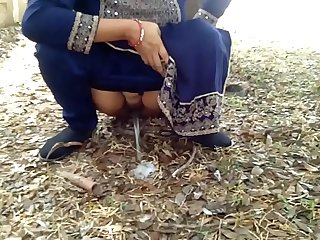 Indian Village Milf Natural Boobs Risky Public Sex With Stranger