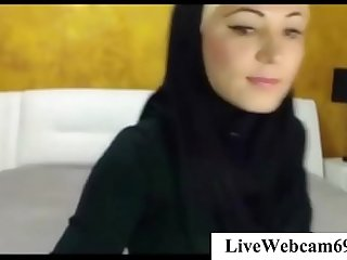 Arab Cam Girl Livestream Dildo   LiveWebcam69.com